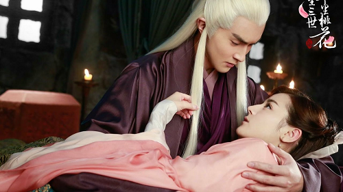 Promotional photo of Vengo Gao as Donghua Dijun and Dilrama Dilmurat as Bai Fengjiu